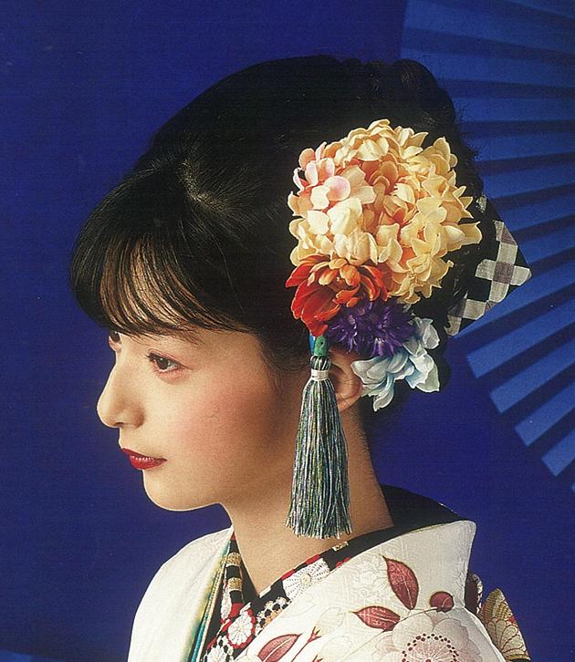 お花の髪飾りモデル